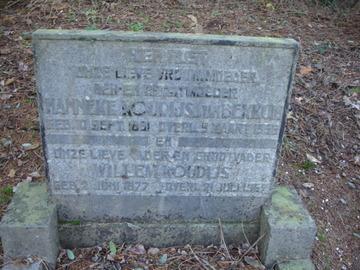Grafsteen Wllem Koudijs en Hanneke v Bekkum (Hanneke van Bekkum)